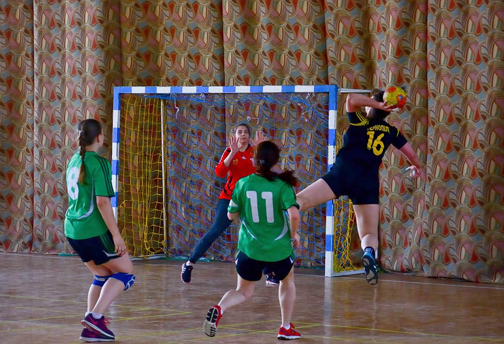 Фінальна частина Універсіади України з гандболу проходить у спорткомплексі Університету.